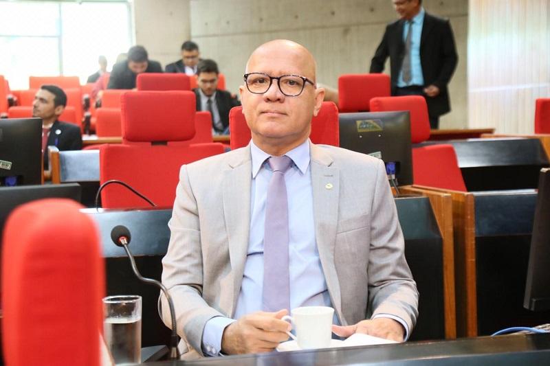 Deputado Franzé Silva agradece sanção de leis que beneficiam mulheres e crianças