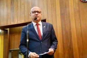 Franzé comemora a sanção de leis que valorizam a cultura negra e a família